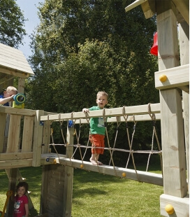 Bridge module - bridge to be fixed between two towers for a playground
