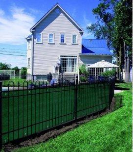 Brise vue ou brise vent ajouré HDPE vert pour terrasse et jardin