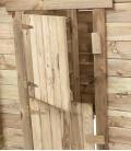 Maisonnette de jeux louise fabriqué par swing king détail porte et fenetre